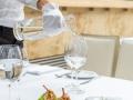 skoki z królika, ziemniak, puder z papryki, romanesco